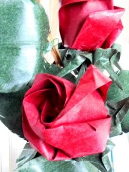 rosa amb fulles
